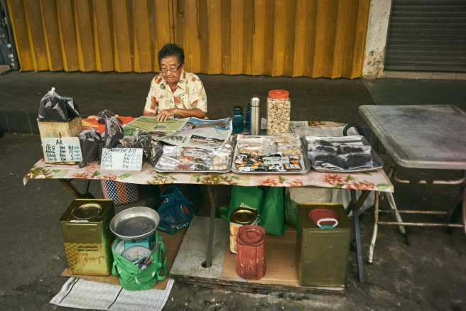 kuala lumpur street photography, prunes and tibits