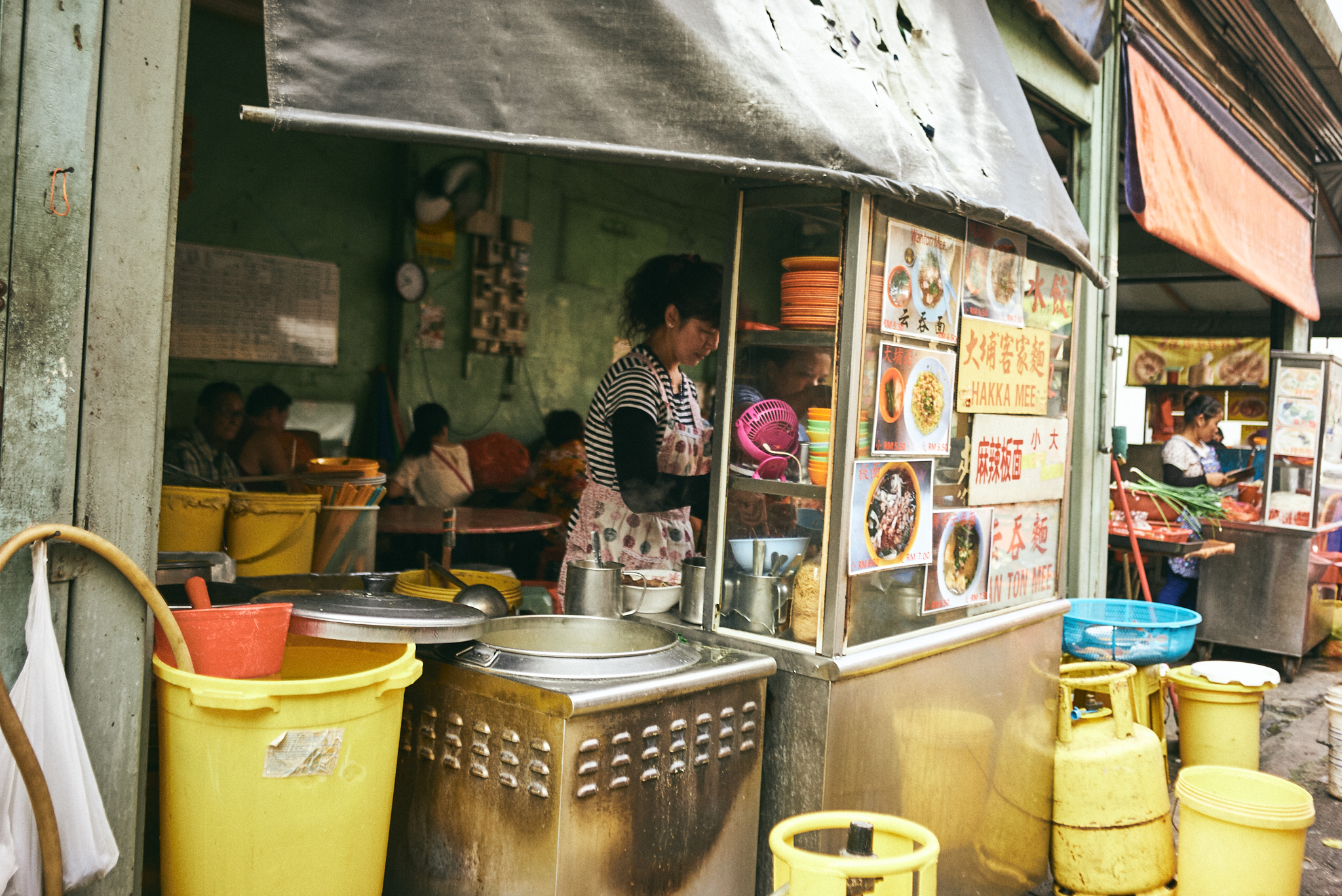 kuala lumpur street photography, hawkers stalls